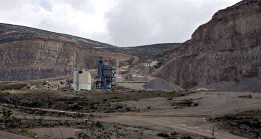 The Kochav Hashachar quarry in the Jordan Valley. Courtesy Keren Manor, activestills.org, 8 Feb 2011