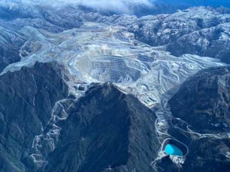 Grasberg copper mine, Indonesia. Source: http://www.mining.com/blockade-lifted-at-freeport-grasberg-mine-in-indonesia/