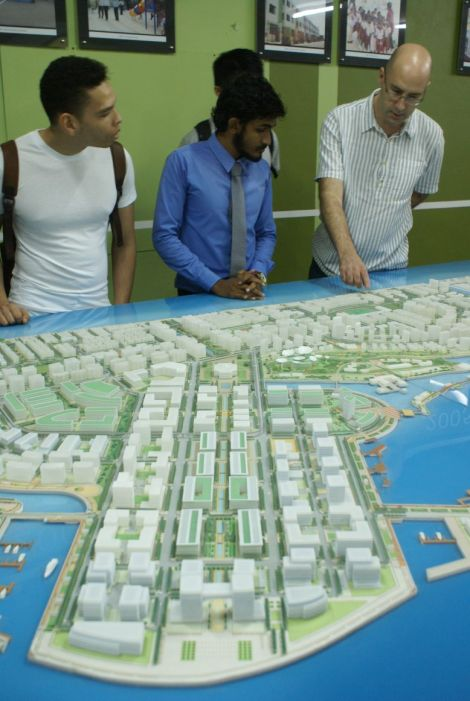 Discussing the Hulhumale Phase 2 model, HDC